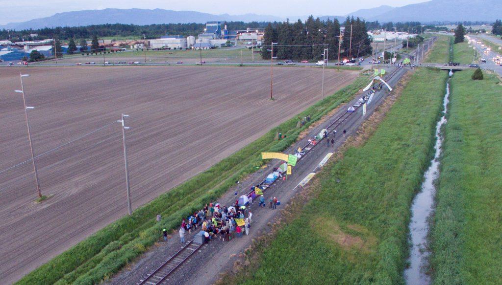 20160513_Ana_Protest_Train_01